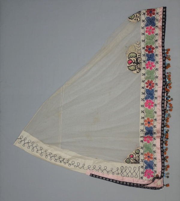 Embroidered bridal veil from Uzbekistan, late 20th century.