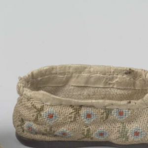 Fragment of an embroidered linen shoe from Holland, early 19th century.