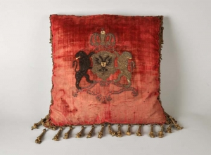 Embroidered cushion for the keys of Nijmegen, presented to Louis Napoleon on 24 July 1808.