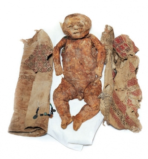Infant burial and associated textiles, Qadisha Valley, Lebanon, 13th century AD.