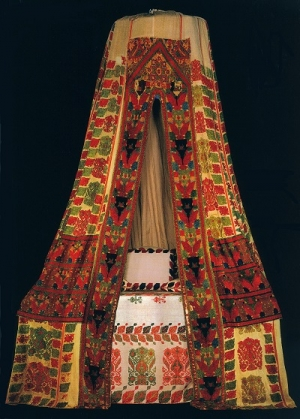 Bed tent (sperveri) from Rhodes, 17th/18th century, Benaki Museum, Athens.