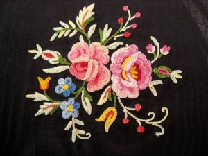 Example of Point de Beauvais embroidery.