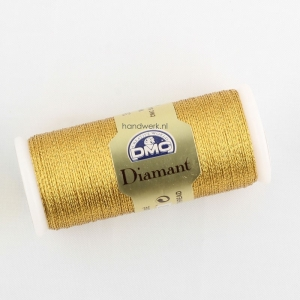 A reel of DMC diamant thread.