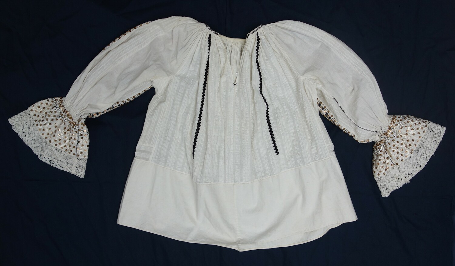Woman's blouse from Croatia, early 20st century (TRC 1997.0067).