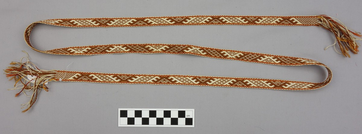 Hand woven band, late 20th century, from Latvia (TRC 2012.0317).