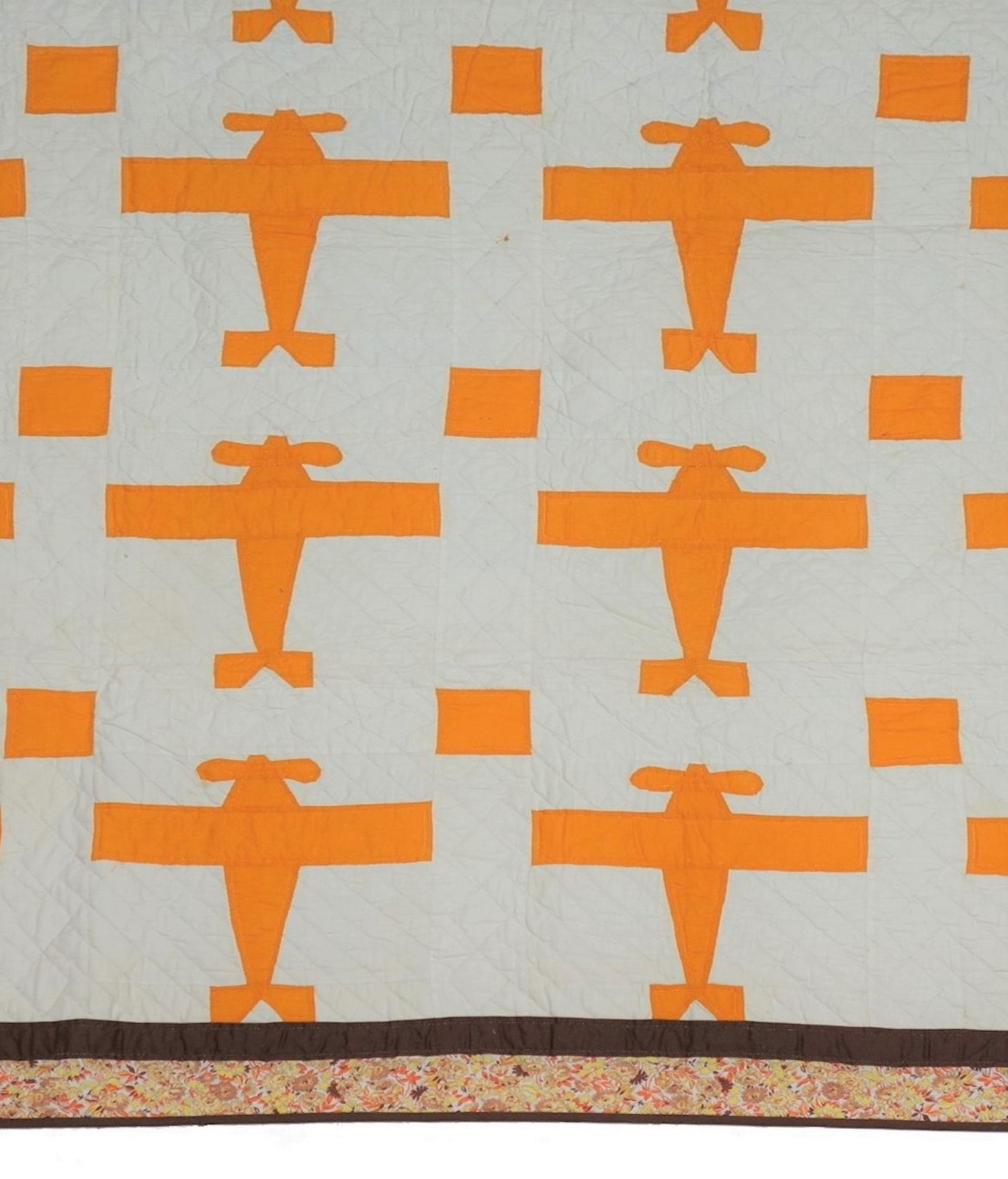 Detail of a quilt with airplanes, in commemoration of Charles Lindbergh's first solo-flight across the Atlantic, in May 1927, USA, late 1920s (TRC 2018.2627).