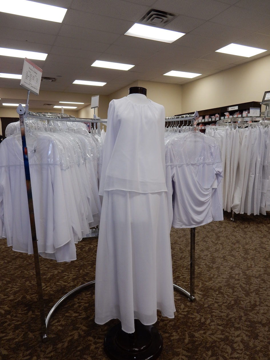 Mormon modest clothing for a temple visit, Utah (US).