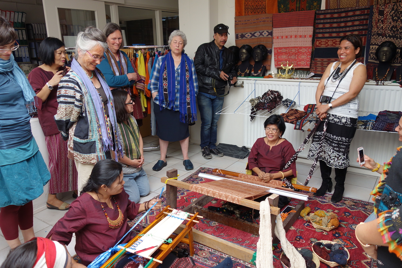 Group of ikat weavers and workshop participants, TRC, Leiden, 31st May 2016.