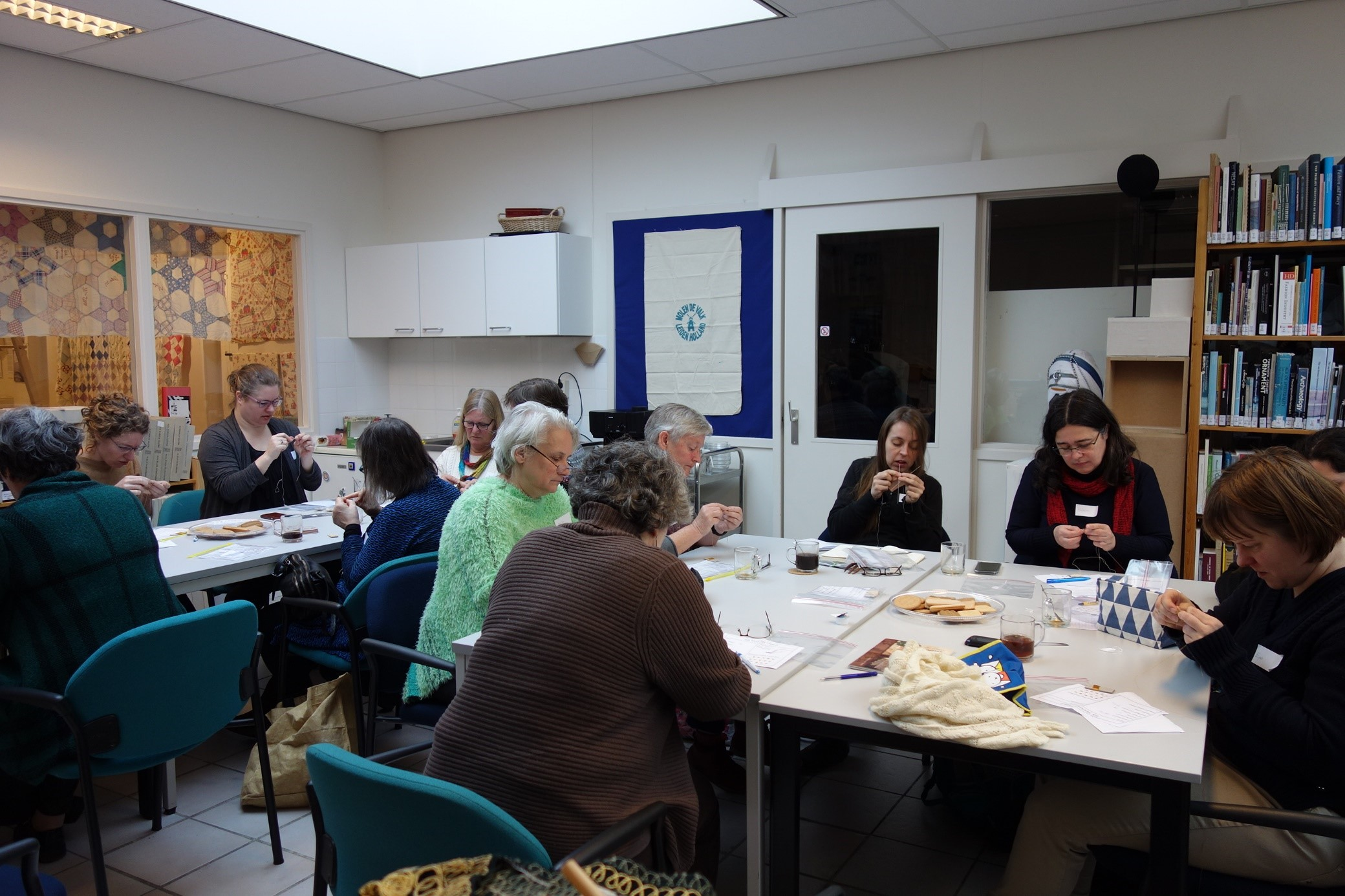 Workshop on the reconstruction of 17th century hand knitted silk stockings, TRC, February 2018.