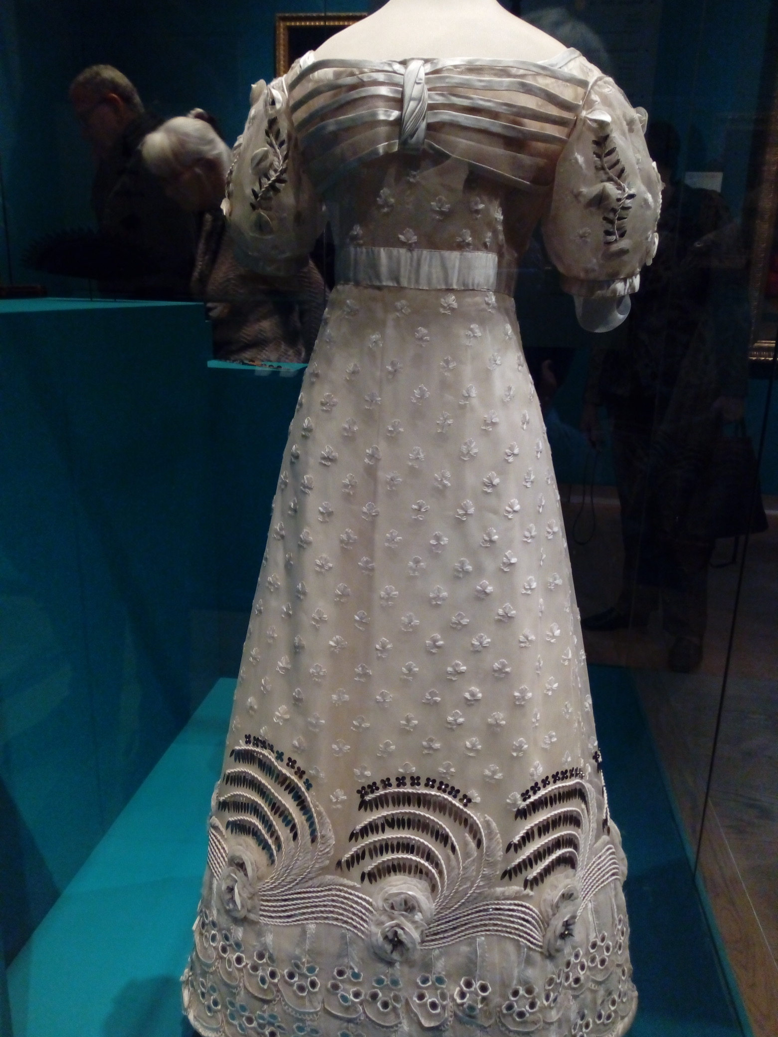 Ball gown: 1826-27, St. Petersburg. Silver gauze, silk, satin, steel sequins.