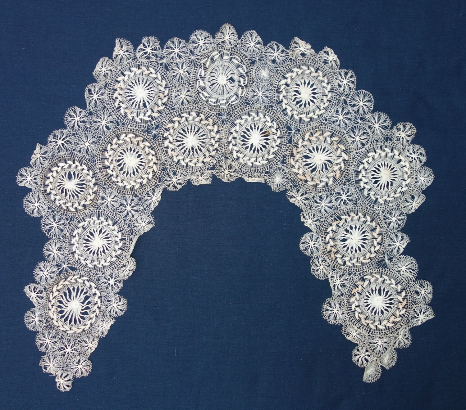 Tenerife lace collar, late 19th century (TRC 2020.0462).