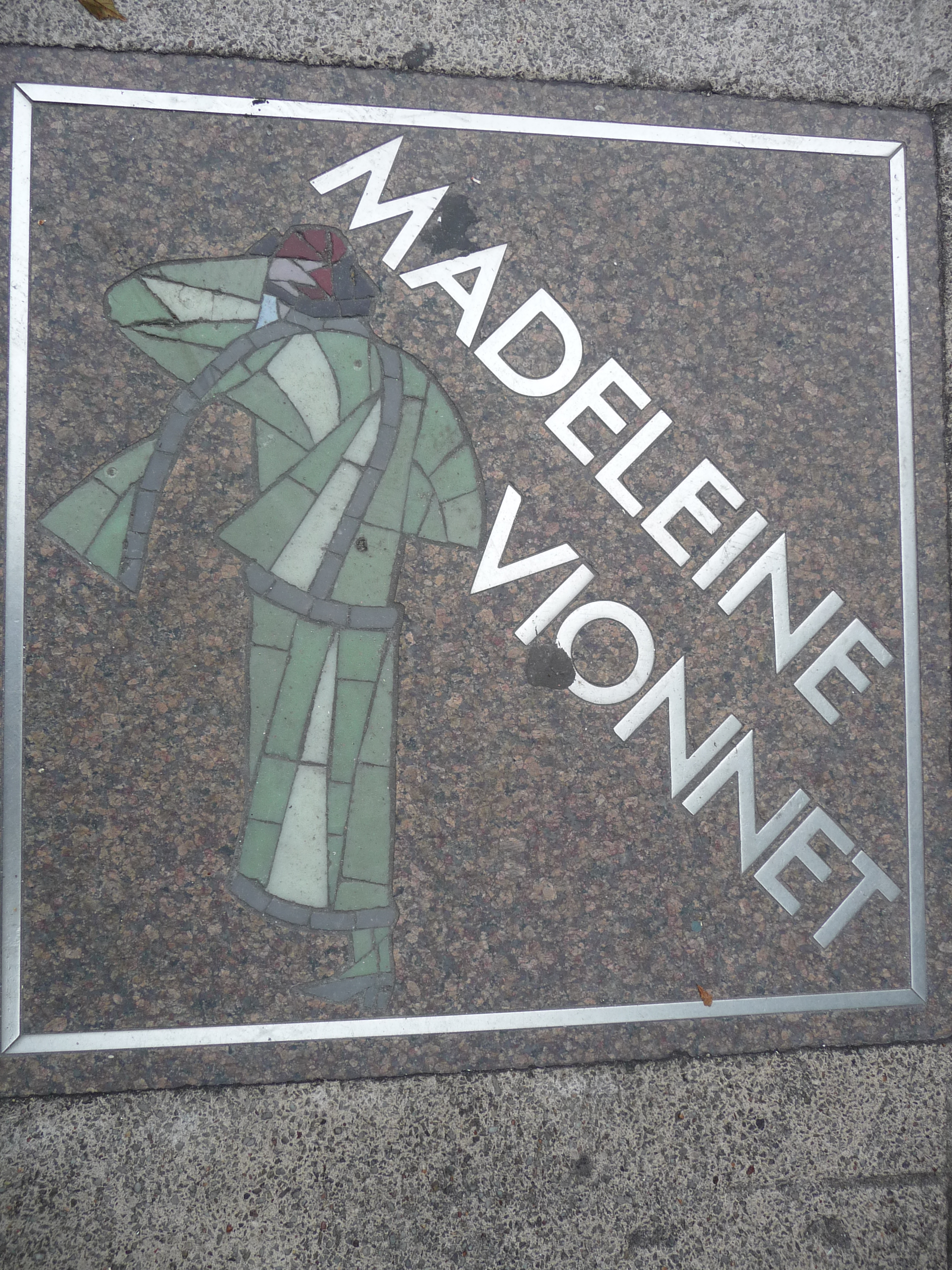 Commemorative tile in Paris, dedicated to Madeleine Vionnet.